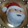 101Tort w kształcie głowy Mikołaja czerwona czapka z pomponem