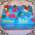 29 Tort dla dzieci z klockami Lego na prostokącie Cukiernia Pod Arkadami Kraków