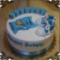 46 Tort na chrzest niebieskie buciki kołderka dziecko napis na klockach