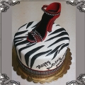 122 Tort w zebrę  z butem na obcasie szpilka czerwona