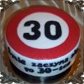 82 Tort znak ograniczenia do trzydziestu  na urodziny