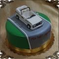 135 Tort z figurką z lukru auto biały volkswagen cabrio kabriolet
