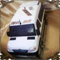 86 Tort w kształcie busa do przewożenia ludzi