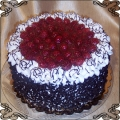 6 Tort okolicznościowy sezonowy ze świeżymi malinami i  w posypce czekoladowej Cukiernia Pod Arkadami Kraków