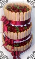 45 Tort weselny ze świeżymi owocami w języczkach biszkoptowych Torty Artystyczne Cukiernia Pod Arkadami Kraków