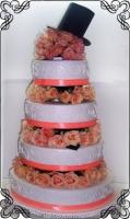 56 Tort weselny z żywymi różami i kapeluszem Torty Artystyczne Cukiernia Pod Arkadami Kraków