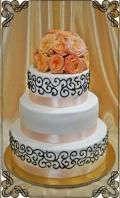 21 tort ślubny esy ciemne plus żywe kwiaty