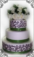 42 Tort biało zielono brązowy na ślub z bukietem kwiatów na górze Krakowskie Torty Artystyczne Cukiernia Kraków