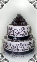 65 Tort weselny z  czekoladowymi kulkami oraz czekoladowymi wzorkami Krakowskie Torty Artystyczne Cukiernia Kraków
