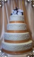 73 Tort na wesele z przewodnim kolorem miedzianym oraz figurka motoru Krakowskie Torty Artystyczne Cukiernia Kraków