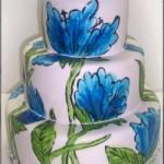 Ręcznie malowany tort weselny z motywem kwiata