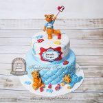 Piętrowy tort z misiami na roczek dziecka