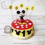 Tort z figurką Myszki Miki udekorowany gwiazdkami