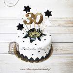 Wystrzałowy tort z gwiazdkami na trzydzieste urodziny