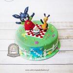 Tort z bajkowymi figurkami - królik Bing i jego przyjaciel Flop