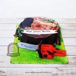 Tort dla drwala z pniakiem, siekierą i piłą motorową