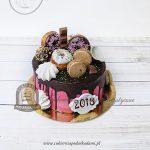 Tort KRAINA OBFITOŚCI z różnorodnymi słodkościami