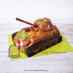 Tort w kształcie rudego czołgu