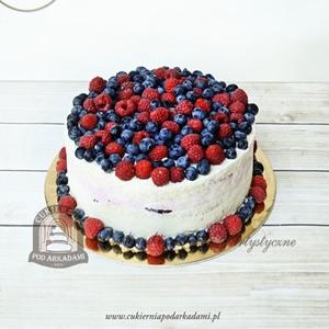 Tort z owocami sezonowymi_borówki maliny