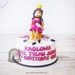 Tort Królowa jest tylko jedna zdobiony kobiecymi akcesoriami i kosmetykami