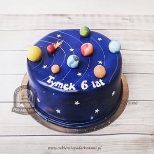 Tort z planetami i układem słonecznym