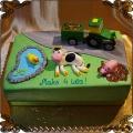 175 Tort farma traktor z przyczepka  jeziorko krowa świnka dla rolnika