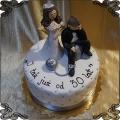 175 Tort na 30 rocznicę  ślubu  pan  z kulą na łańcuchu oraz pani młoda