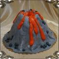 208 Tort w kształcie wulkanu góra raca ogień gorąca lawa