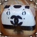 24 Tort w kształcie białej torebki Chanel dla kobiety