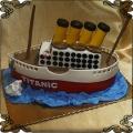 132 Tort w kształcie statku okrętu Titanic  transatlantyk na wodzie