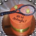 66 Tort z rakietą do tenisa ziemnego z piłeczkami tenisowymi