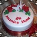 64 Tort na dwudziestą rocznicę ślubu z białymi motylkami Cukiernia Pod Arkadami Kraków