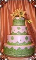 33 Tort na wesele z koronką zieloną na białym tle Torty Artystyczne Cukiernia Pod Arkadami Kraków