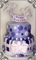 39 Tort zaręczynowo weselny fiolet z gołąbkami Torty Artystyczne Cukiernia Pod Arkadami Kraków