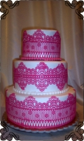 52 tort-weselny z różową koronka cukiernia pod arkadami Kraków