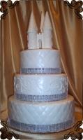 54. Tort weselny  biało srebrny z zamkiem z wieżyczkami Cukiernia Pod Arkadami Kraków