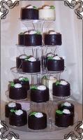 58 tort z mini torcikami w ciemnej i białej czekoladzie cukiernia pod arkadami