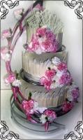8 Tort weselny z żywymi kwiatami białą czekoladą na stojaku spirali Torty Artystyczne Cukiernia Pod Arkadami Kraków