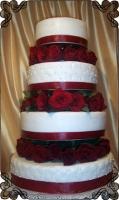 1 Tort weselny z żywymi czerwonymi różami piętrowy Krakowskie Torty Artystyczne