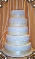 10 tort beżowy pikowany w stylu angielskim klasyczny