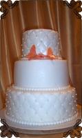 55 tort weselny z pomarańczowymi motylkami