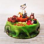 Leśny tort z figurkami liska, wiewiórki, sarenki, jeża i sowy
