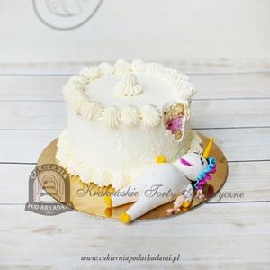 Ugryziony tort z najedzonym jednorożcem
