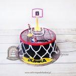 Tort boisko do koszykówki z logo NBA