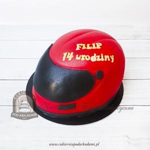 Tort w kształcie kasku motocyklowego