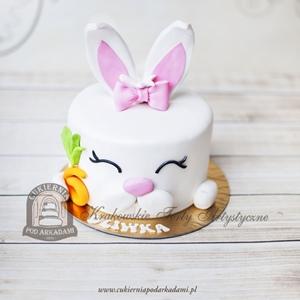 Tort króliczek z marchewką