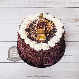 274BA Tort z butelką whisky Johnnie Walker obsypany czekoladowymi wiórkami
