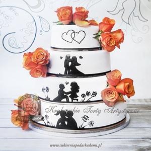 40BW Weselny tort z malowaną historią miłośną i żywymi kwiatami