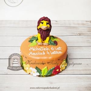 Pomarańczowy tort z Simbą - Królem Lwem