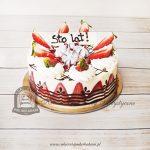 Tort klasyczny z truskawkami